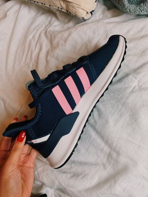 Adidas running shoes (BRAND NEW) for Sale in Benicia, CA