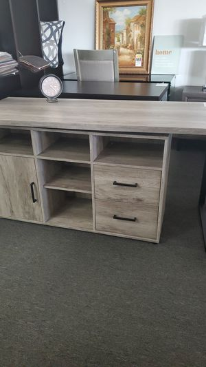 Grey desk $279 for Sale in Hawaiian Gardens, CA