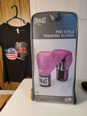 *PLEASE Read Post* Everlast Pro Style Training 8-12oz Boxing Gloves in Pink for Women (12 oz) - New for Sale in Waldorf, MD