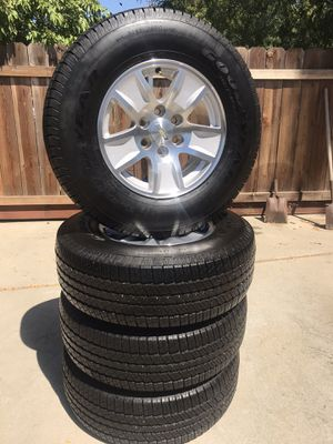 Chevy Silverado wheels and tires 6 lugs for Sale in Modesto, CA