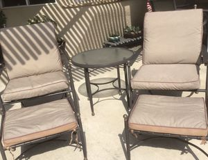 Patio Furniture 5 piece for Sale in Bakersfield, CA
