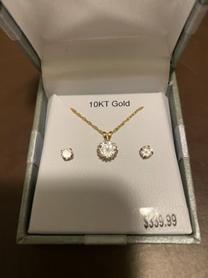 Diamond earring set with diamond chain for Sale in Fort Lauderdale, FL