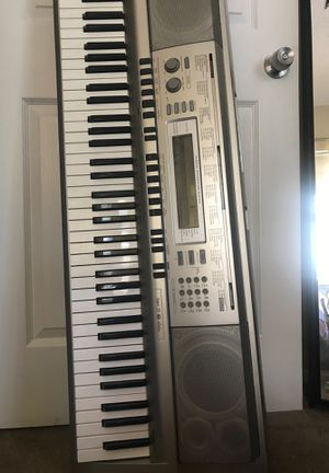 Casio WK 200 Keyboard for Sale in San Diego, CA