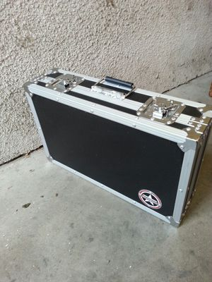Road Runner hard case, dj equipment case for Sale in Los Angeles, CA