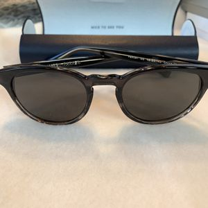 Warby Parker- percey - sunglasses- Like New! for Sale in Peoria, AZ