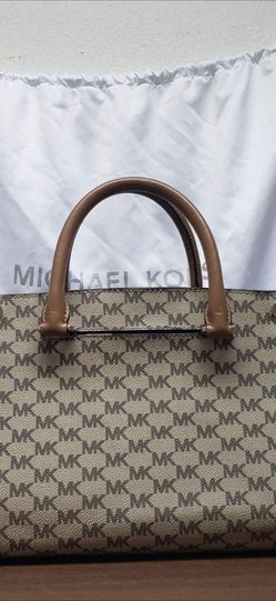 Authentic MK Handbag 3 Way Use reversable for Sale in Damascus,  OR