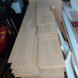 Light Pine Colored Connecting Floorboards for Sale in Bonney Lake, WA