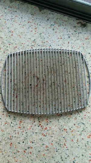 """WEBER Q BABY Q Q100 BBQ GRILL Stainless Steel GRATE 17"""" X 12 1/2"""" """"LIKE NEW"""" NO OFFERS, PRICE IS FIRM for Sale in North Miami, FL"""