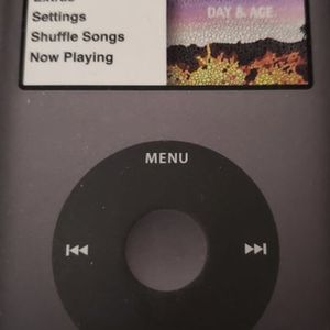 Apple Classic 160gb Ipod for Sale in Brooklyn, MD