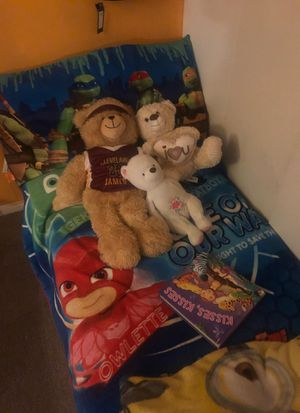 Little bed for kids between 2-6 year old!! Not include toys!! But the Sealy new !!! for Sale in Capitol Heights, MD