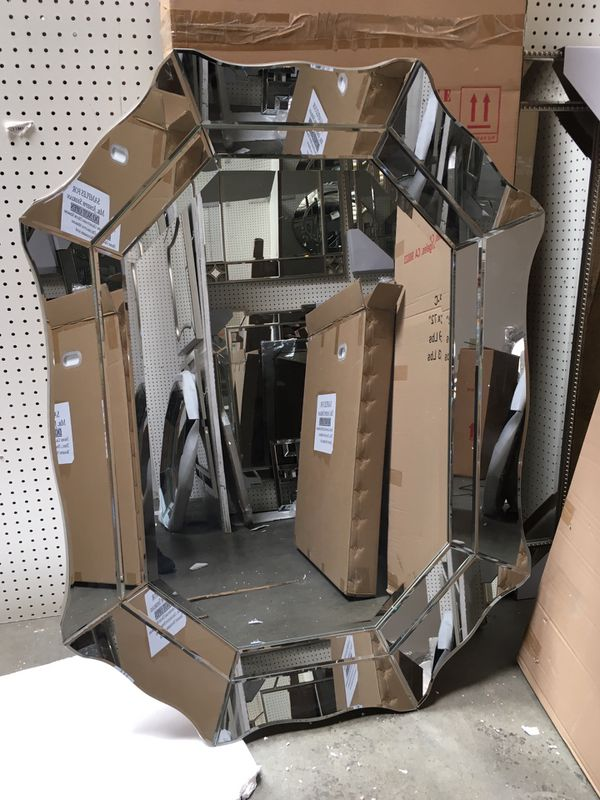 Amazing Wall Mirror- 36 x 48 - all beveled mirror. Great for home staging - Brand New