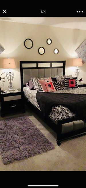 Black and gray 4 piece bedroom set size queen for Sale in San Jose, CA