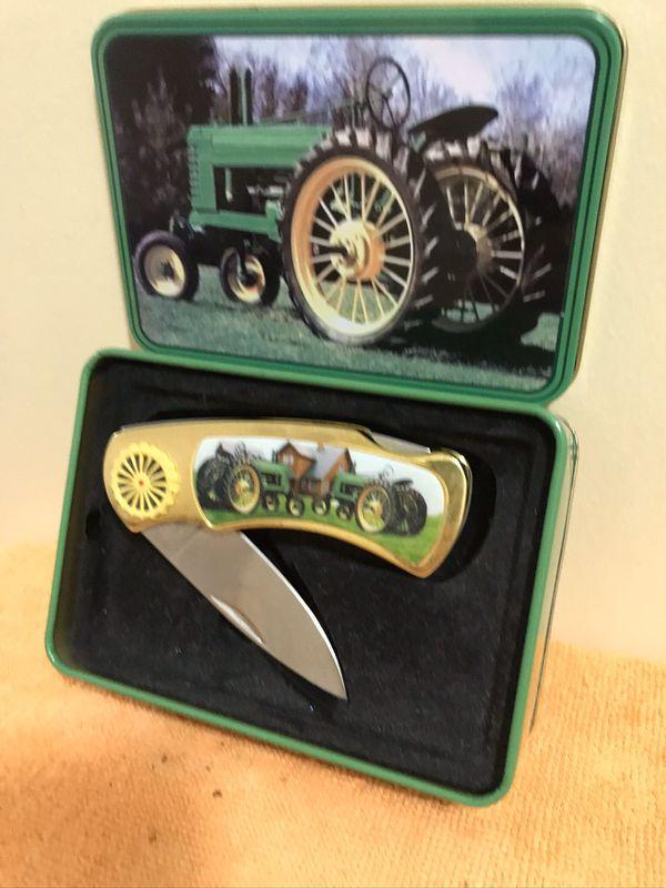 John Deere Collectible Antique Tractor Tin