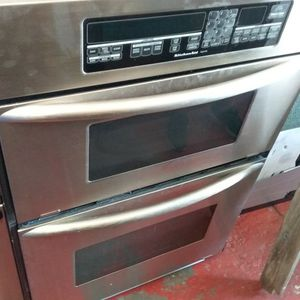 Stainless Steel Kitchenaid Microwave And Oven Combo In Good Working Condition for Sale in Kissimmee, FL
