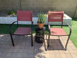 Patio furniture (plant not included) for Sale in Phoenix, AZ