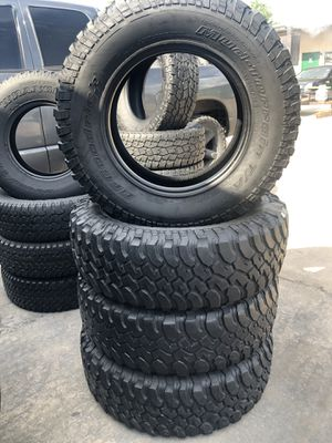 255/75/17 tire set for Sale in Houston, TX