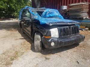 2007 Jeep commander for parts 4.7 engine 4x4 for Sale in Kissimmee, FL