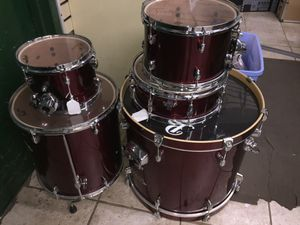 Pearl Export 5 piece burgundy drum set with Sabian cymbals for Sale in Rockville, MD