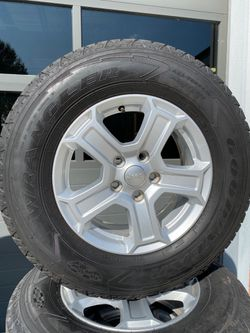 2019 Jeep Wrangler OEM wheels and tires for Sale in Lexington,  NC