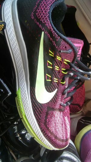 Awesome still like new nike zoom structure running shoes thats sold out in stores size 7.5mens size 9.5woman was $160 right now $100 for Sale in Washington, DC