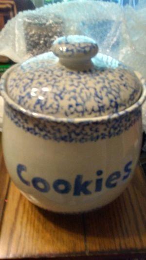 Vintage Folk Craft Cookie Jar. for Sale in Cairo, GA