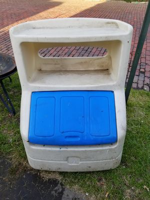 Outdoor toy box for Sale in Cleveland, OH