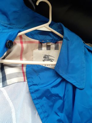 Burberry rain coat for men for Sale in Milwaukee, WI