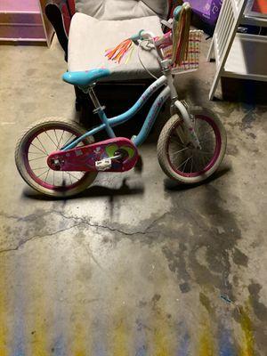 Girls Schwinn bike for Sale in Riverside, CA