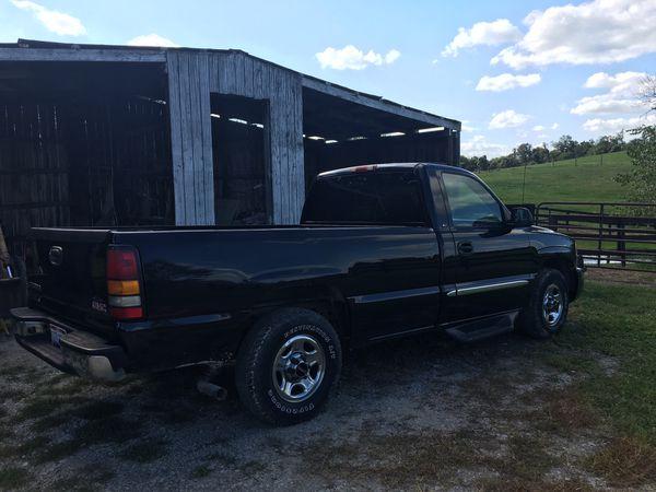 2004 GMC Sierra Truck