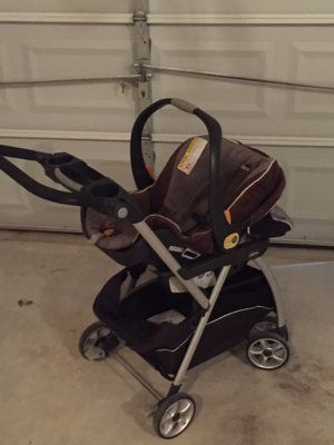 ChicoFit Baby car seat and stroller for Sale in Smyrna, GA