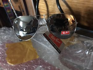 Ray ban aviator 62mm large frame gunmetal brand NWT polarized shades sunglasses retail is $225 for Sale in McDonough, GA