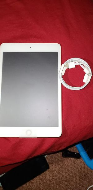 APPLE IPAD 5TH GENERATION for Sale in Fresno, CA