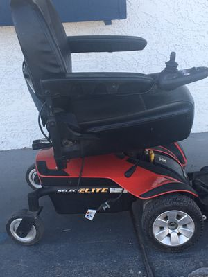 Jazzy elite mobility chair like new with new charger and batteries for Sale in Hesperia, CA