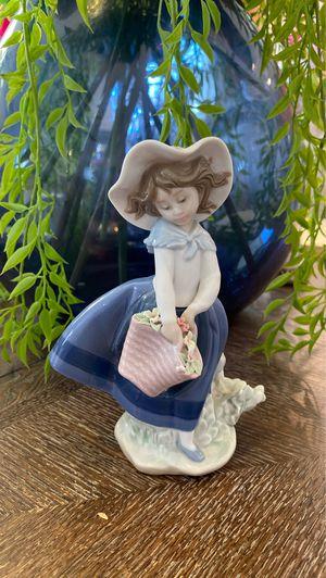 Lladro Daisa 1983 Porcelain Figurine for Sale in Las Vegas, NV