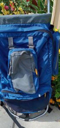 CERRITOS.. Jansports Aluminium Frame Hiking Backpack for Sale in La Palma,  CA