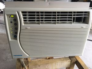 FEDDERS Window air conditioner for Sale in Chicago, IL