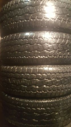 Set Used Tire Toyo In Great Condition Size 245/70/17 for Sale in Chicago,  IL