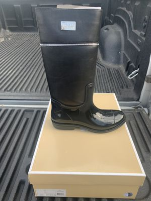 Michael kors rain boots size 2 and 3 (Authentic ) for Sale in Los Angeles, CA
