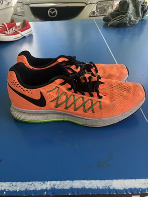 Nike running Shoes for Sale in Forest Heights, MD