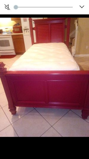 Twin bed for Sale in Port St. Lucie, FL