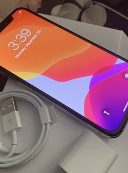 iPhone X, White , 64gb , Factory Unlocked For Any Carrier Including Mexico for Sale in San Diego,  CA