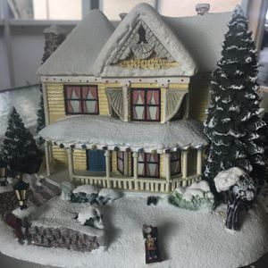 Christmas Thomas Kinkade Hawthorne Village Victorian Homestead 2001 for Sale in Bradenton, FL