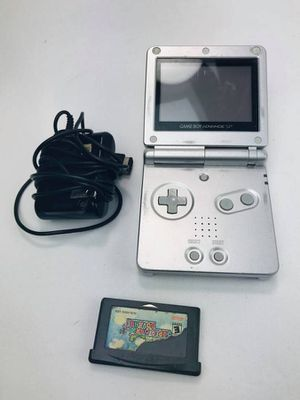 Nintendo Game Boy Advance SP Silver AGS-001 w/ game for Sale in Bellevue, WA