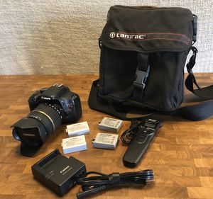 Canon DSLR - T2i & Tamron 18-200 lens kit for Sale in Santa Clarita, CA