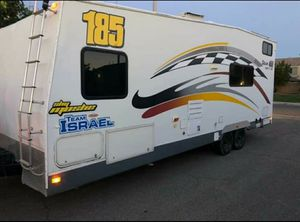 2005 Fleetwood Gearbox Toy Hauler Travel Trailer for Sale in Azusa, CA