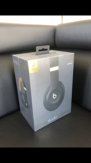 Beats studio 3 wireless for Sale in Houston, TX