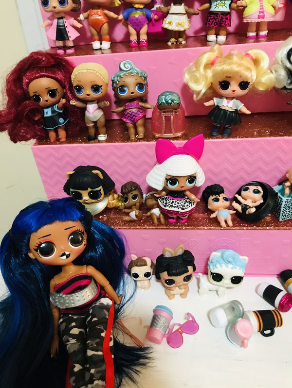 Lol Surprise Dolls Lot With Lol Display Case / Shopping Mall