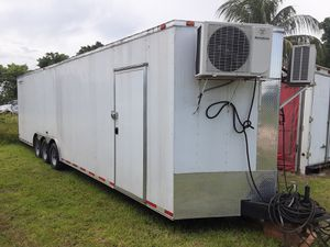 Enclose trailer 34ft for Sale in Miami, FL