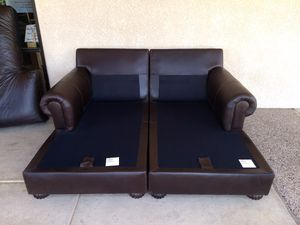 Like new Creative Leather double lounge for Sale in Scottsdale, AZ