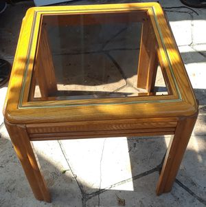 SMALL WOODEN DINING TABLE for Sale in Hollywood, FL